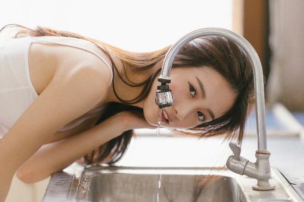 Nếu rửa mặt kiểu này bạn sẽ càng hủy hoại làn da của mình - Ảnh 4