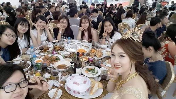 Đám cưới ở Nam Định, cô dâu được mẹ chồng trao vương miện trị giá trăm cây vàng - Ảnh 8