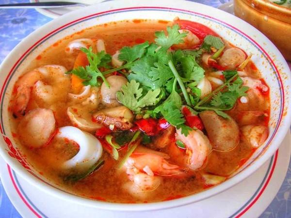 Canh tôm chua cay, sườn kho đậm đà thêm chút cà muối cho bữa cơm tối ngon tuyệt - Ảnh 2
