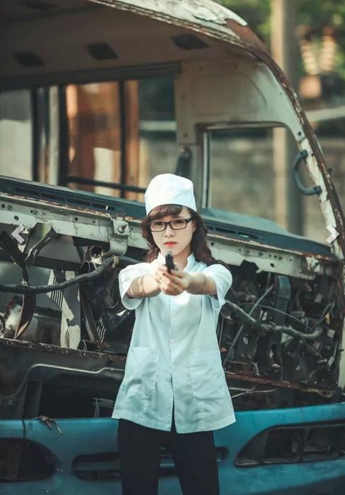 """Ảnh kỷ yếu """"Hậu duệ mặt trời"""" của teen Ninh Bình nhiều người khen, lắm kẻ chê - Ảnh 9"""