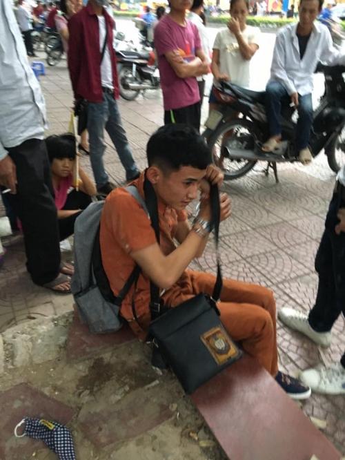 'Soái ca' bắt thanh niên trộm Iphone 6S ở bến xe buýt Hà Nội - Ảnh 4