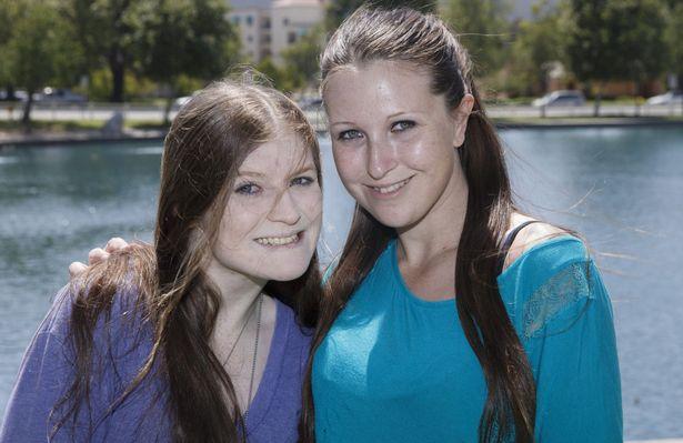 Cô nàng khóc ngất nhìn mình trong gương sau 1 năm bất chấp tất cả để giảm cân - Ảnh 7