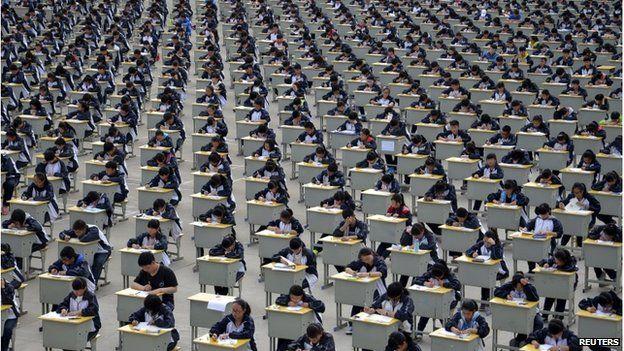 Cấm học sinh xé sách, la hét trước kì thi đại học - Ảnh 2
