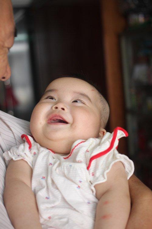 Người đàn bà 53 tuổi vỡ òa hạnh phúc khi được làm mẹ - Ảnh 5