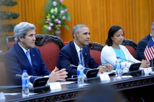 Trong cuộc họp với chính phủ VN ông Obama đã dùng loại nước uống gì? - Ảnh 1
