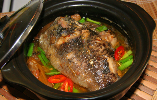 Cá rô kho tộ thơm cay cho bữa cơm ngày mưa  - Ảnh 3