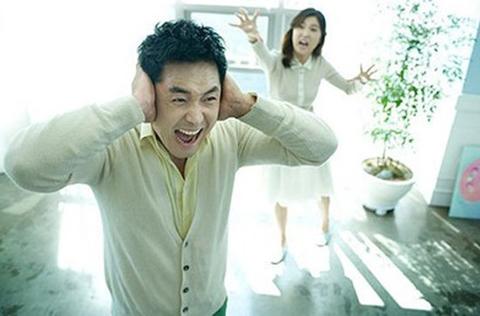 Tan cửa nát nhà chỉ vì kết bạn với mẹ chồng trên Facebook - Ảnh 1