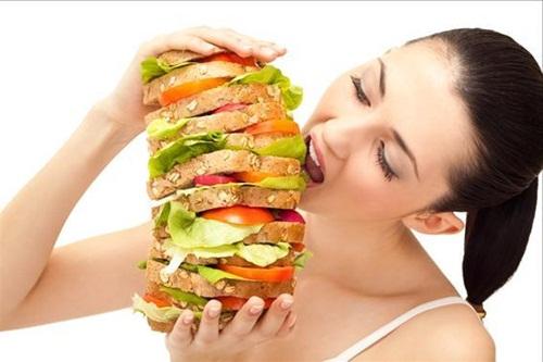 Lý giải vì sao nhiều người có cảm giác ăn nhiều vẫn thấy đói - Ảnh 1