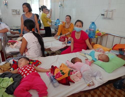 Hai trẻ bị viêm não Nhật Bản B do không tiêm chủng - Ảnh 1