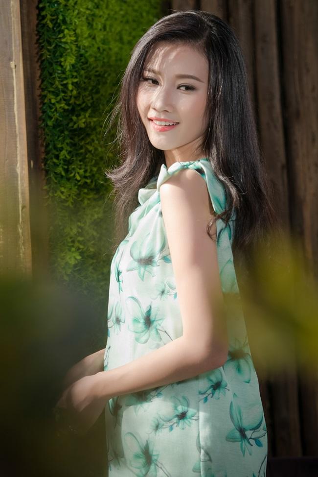 Top 5 Hoa hậu Việt Nam đẹp dịu dàng ngày sang Thu - Ảnh 3