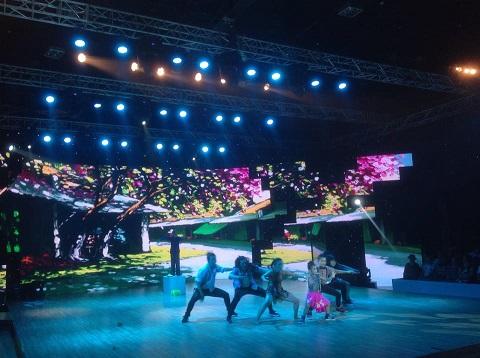 """Kim Thư, Minh Đức """"gây sốt"""" đêm bán kết Bước nhảy hoàn vũ nhí - Ảnh 1"""
