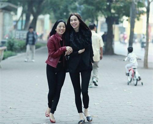 """Hồ Ngọc Hà và những mối """"thâm thù"""" với mỹ nhân Việt vì tình, tiền, địa vị - Ảnh 1"""