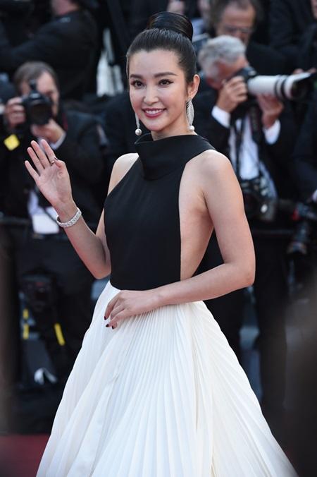 Loạt sao thế giới đọ sắc trong liên hoan phim Cannes 2016 - Ảnh 2