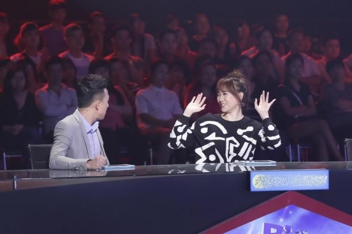 """Kỳ 1: Hari Won và câu chuyện """"thảm họa ăn tiền"""" trên """"ghế nóng"""" - Ảnh 2"""