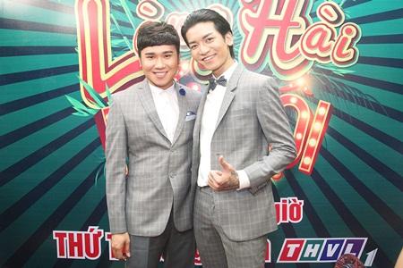 Làng Hài Mở Hội: Thí sinh đua nhau nhảy disco, selfie câu like Facebook - Ảnh 5