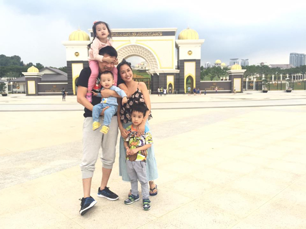 """Facebook sao: Kỳ Duyên lại """"biến dạng"""" vì photoshop, MC Phan Anh tình tứ bên vợ - Ảnh 3"""