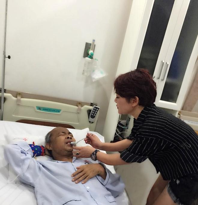 """NSƯT Hán Văn Tình """"không biết sống được bao lâu nữa"""" vì ung thư di căn lên não - Ảnh 2"""