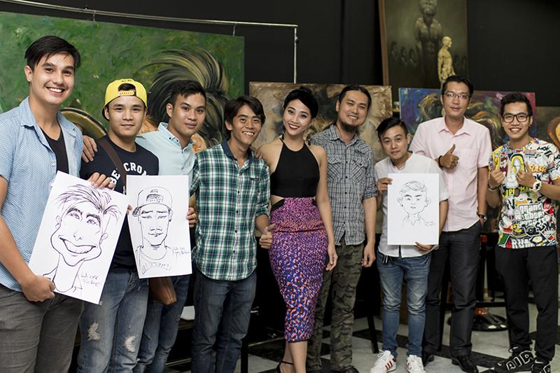 Nghệ sĩ  Việt thích thú với tranh hí họa về chính mình - Ảnh 1