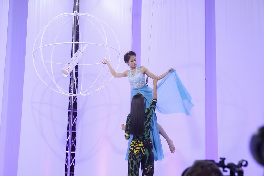 The Face tập 3: Phạm Hương thẳng tay loại thí sinh team Lan Khuê - Ảnh 9