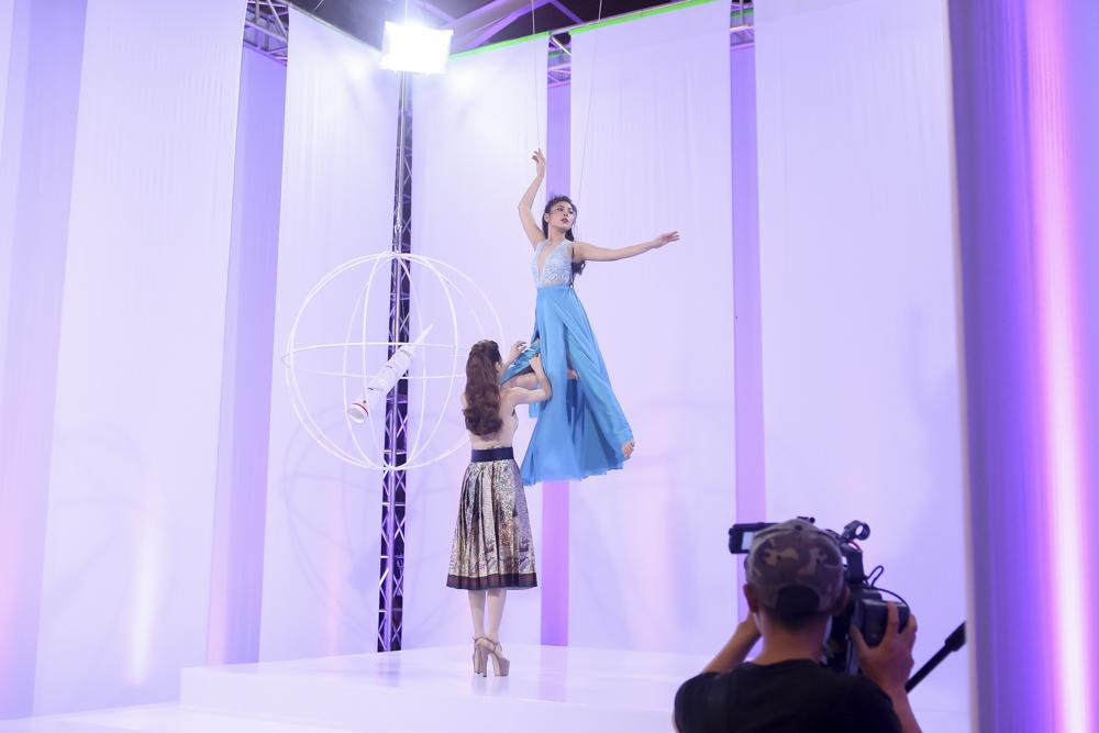 The Face tập 3: Phạm Hương thẳng tay loại thí sinh team Lan Khuê - Ảnh 8