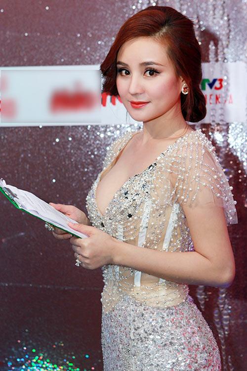 Vy Oanh tố Hari Won sống giả tạo, mắc bệnh ngôi sao giống Trấn Thành - Ảnh 1