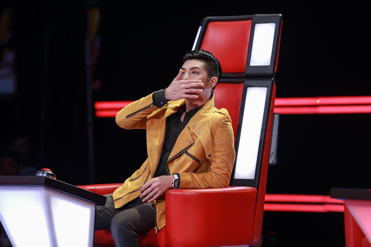 Noo Phước Thịnh rơi nước mắt khi nghe thí sinh The Voice Kids hát về mẹ - Ảnh 2