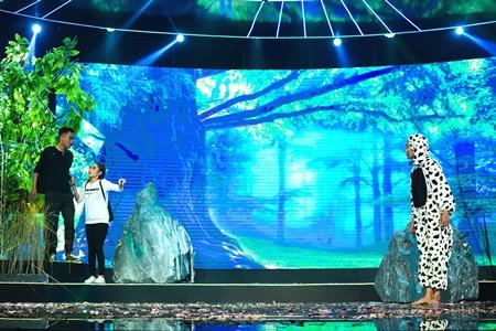 Làng Hài Mở Hội: Khiến giám khảo tranh cãi, Dí Dỏm vẫn đoạt 100 triệu đồng - Ảnh 9