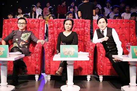 Việt Hương bị Đại Nghĩa kéo lê trên sân khấu vì sợ ma - Ảnh 4