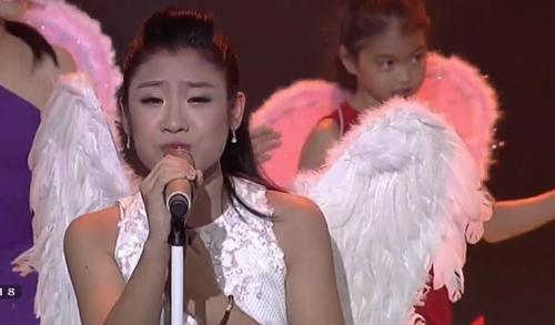 Giọng hát Việt Nhí 2015 liveshow 4: Công Quốc giả gái siêu đáng yêu - Ảnh 10
