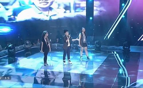 Giọng hát Việt Nhí 2015 liveshow 4: Công Quốc giả gái siêu đáng yêu - Ảnh 13