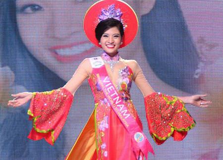 Video: Hoa hậu Phan Hoàng Thu kể chuyện từng bị đồng nghiệp chơi xấu - Ảnh 1