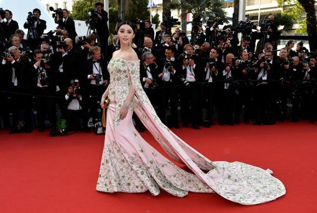 Phạm Băng Băng lọt top sao Hollywood mặc đẹp nhất năm 2015  - Ảnh 6