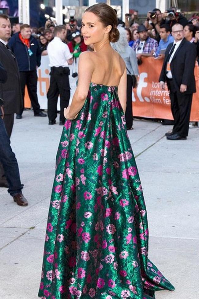 Phạm Băng Băng lọt top sao Hollywood mặc đẹp nhất năm 2015  - Ảnh 1