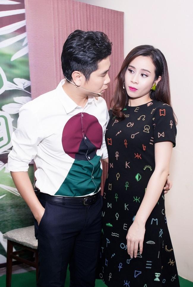 Hồ Hoài Anh khiến Lưu Hương Giang ngượng đỏ mặt trong hậu trường - Ảnh 5