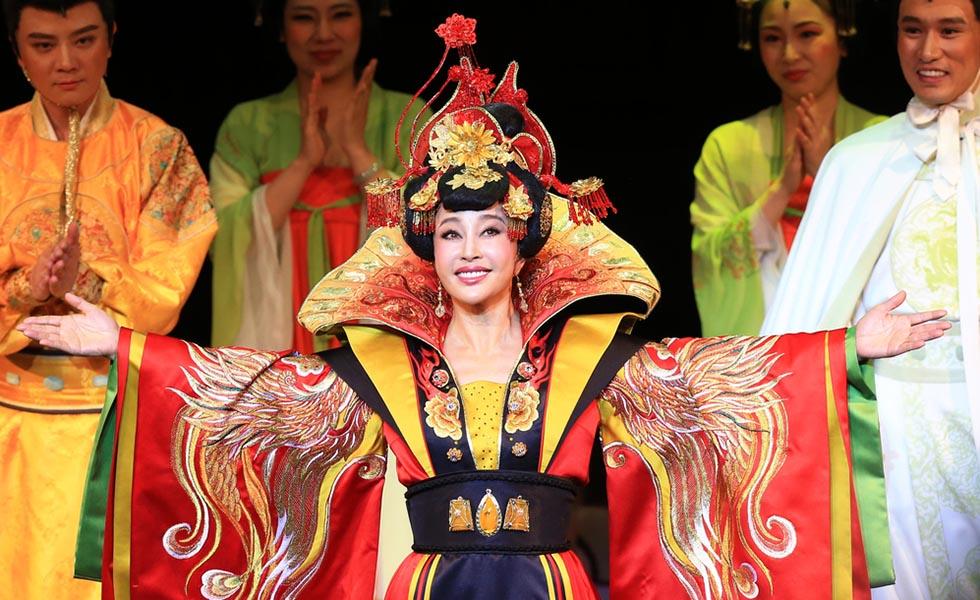 Lưu Hiểu Khánh lại hóa thân thành Võ Tắc Thiên - Ảnh 2