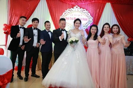 """Đám cưới Á hậu Trà My tràn ngập siêu xe """"khủng"""" - Ảnh 2"""