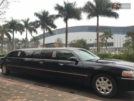 Á hậu Trà My được rước dâu bằng đoàn xe limousine hơn chục tỷ - Ảnh 1