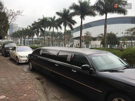 Á hậu Trà My được rước dâu bằng đoàn xe limousine hơn chục tỷ - Ảnh 2