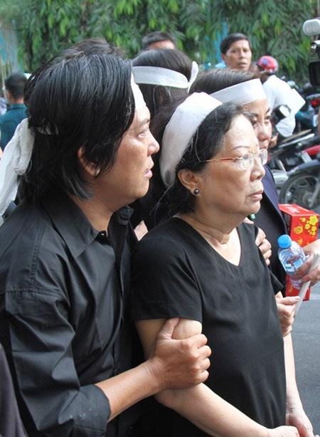 Dòng người tiếc thương tiễn đưa nhạc sỹ Nguyễn Ánh 9 - Ảnh 4