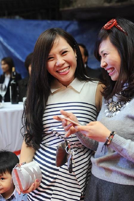 Nhan sắc của vợ các MC nổi tiếng nhất Việt Nam - Ảnh 7