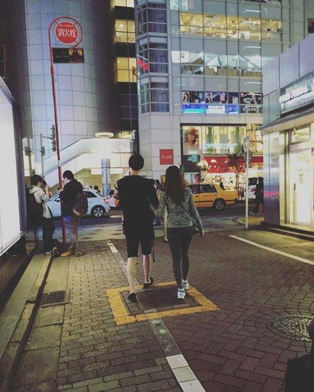 Cặp vợ chồng mới cưới Goo Hye Sun - Ahn Jae Hyun đi nghỉ trăng mật ở Nhật Bản - Ảnh 2