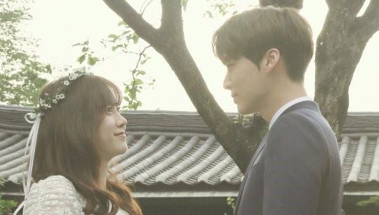 Cặp vợ chồng mới cưới Goo Hye Sun - Ahn Jae Hyun đi nghỉ trăng mật ở Nhật Bản - Ảnh 1