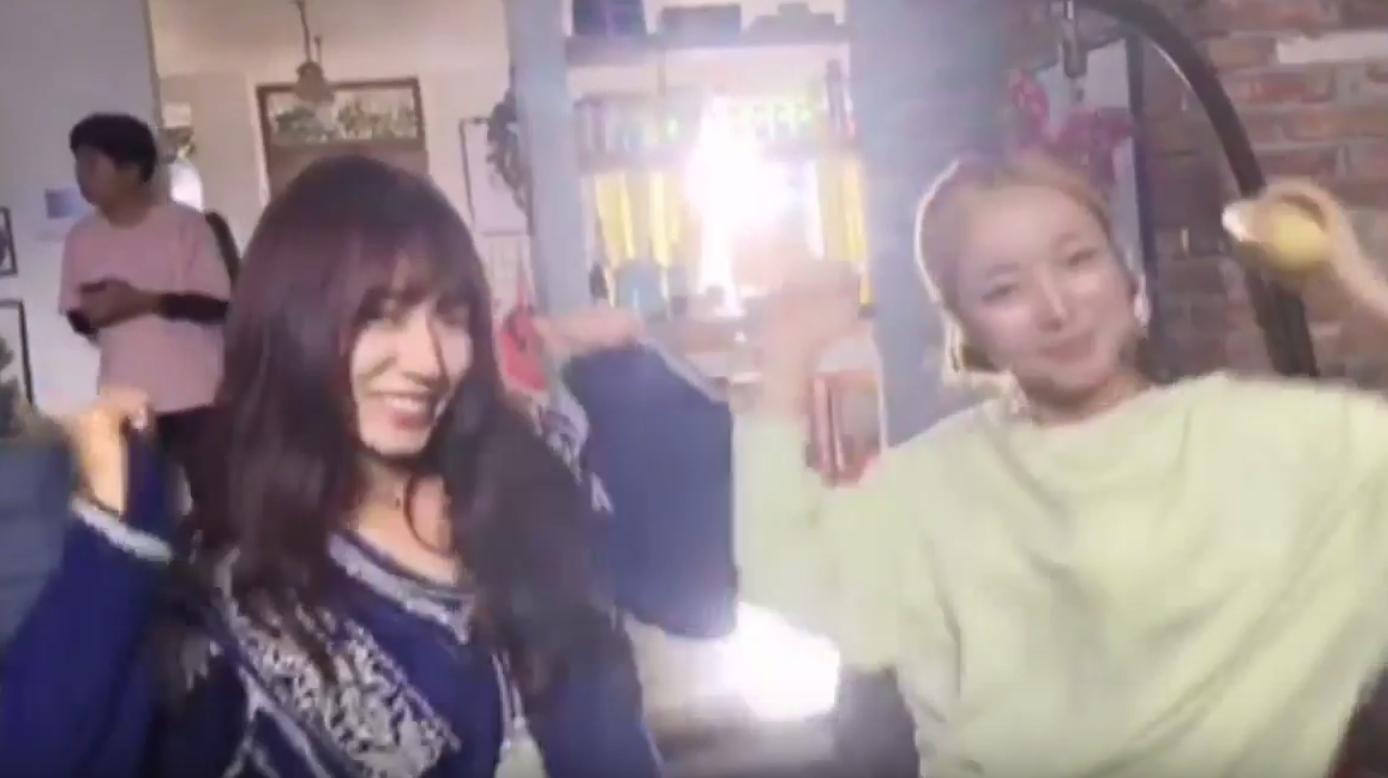 """Park Shin Hye nhảy điệu """"shy shy shy"""" trên phim trường Doctors - Ảnh 3"""
