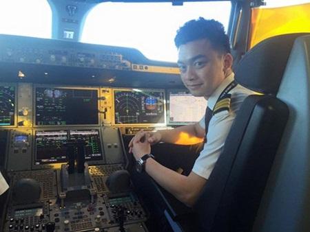 Bất ngờ cậu bé đóng nhiều phim nhất Việt Nam giờ là phi công - Ảnh 3