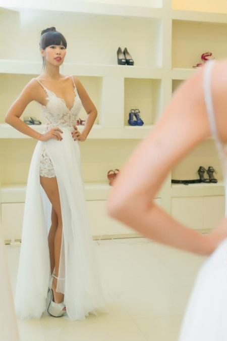 Tiết lộ váy cưới giúp Hà Anh trở thành cô dâu sexy nhất Việt Nam - Ảnh 2