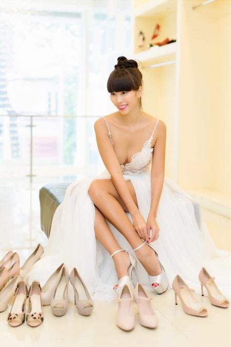 Tiết lộ váy cưới giúp Hà Anh trở thành cô dâu sexy nhất Việt Nam - Ảnh 3