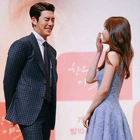 Kim Woo Bin đỡ lời giúp Suzy khi bị hỏi đến Lee Min Ho - Ảnh 6
