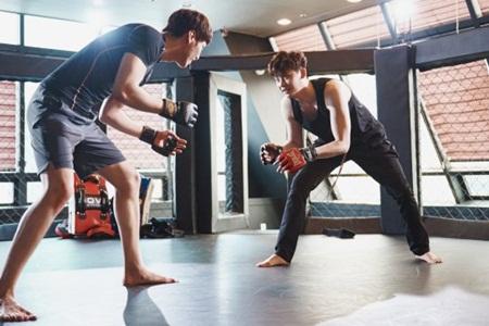 """""""W - Hai thế giới"""" tập 5: Hé lộ hình ảnh trên sàn đấu của Lee Jong Suk - Ảnh 4"""
