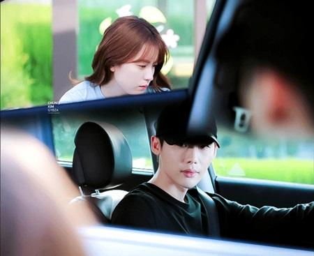 """W - Hai thế giới"" tập 11: Lee Jong Suk sắp bị biến mất - Ảnh 8"