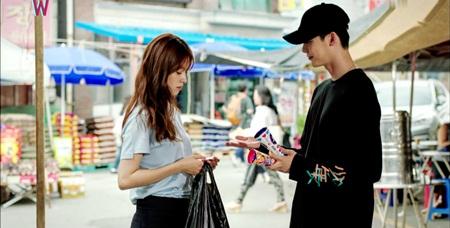 """W - Hai thế giới"" tập 11: Lee Jong Suk sắp bị biến mất - Ảnh 12"